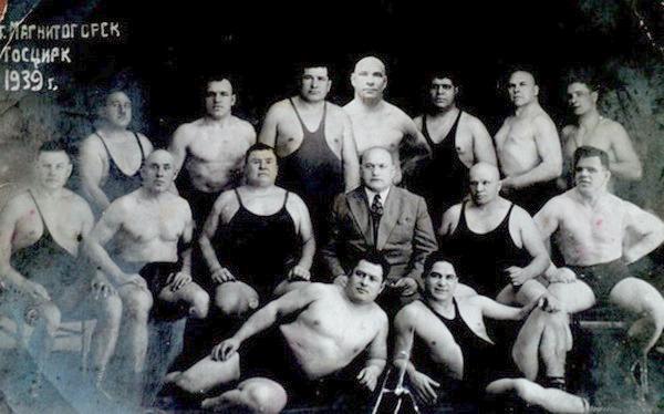 Джелал Хаджи-Мурат с борцами 1939 г
