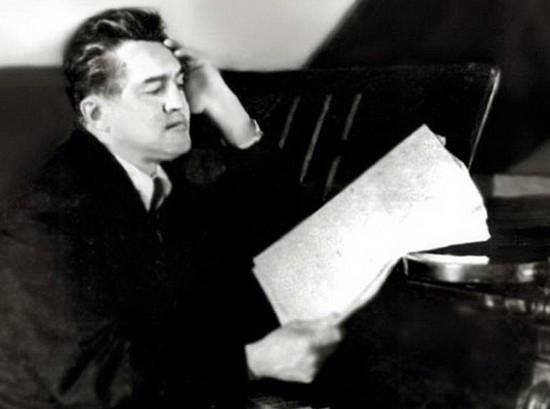 Сайдашев Салих за роялем